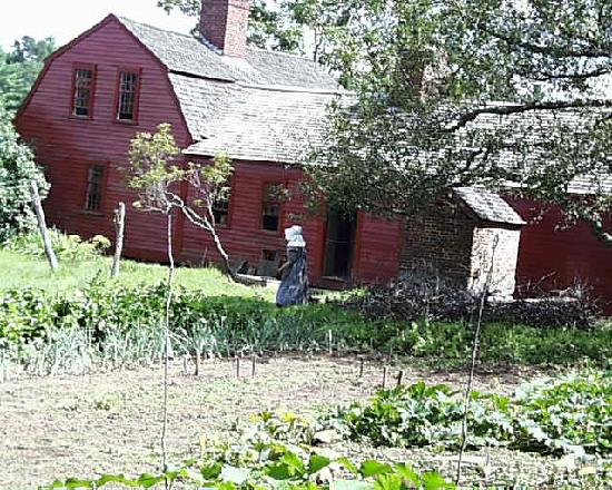 Old Sturbridge Village : Freeman Farm from the Kitchen Garden at the Back