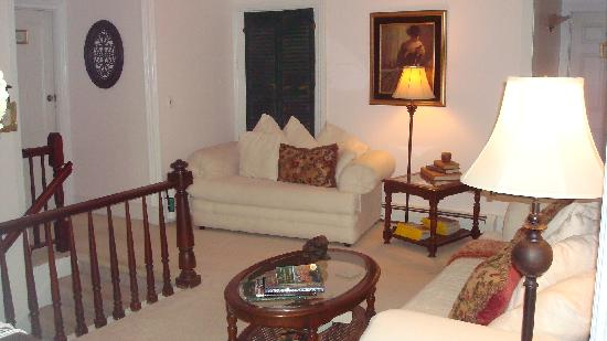 Magnolia Place : Upstairs sitting area