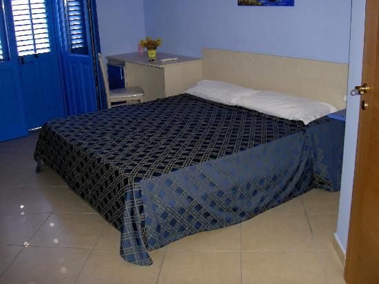 Amoreo Bed and Breakfast: la camera