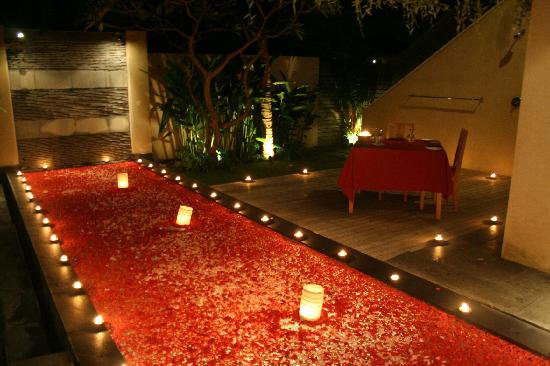 ‪‪Bali Island Villas & Spa‬: Pool side romantic dinner‬
