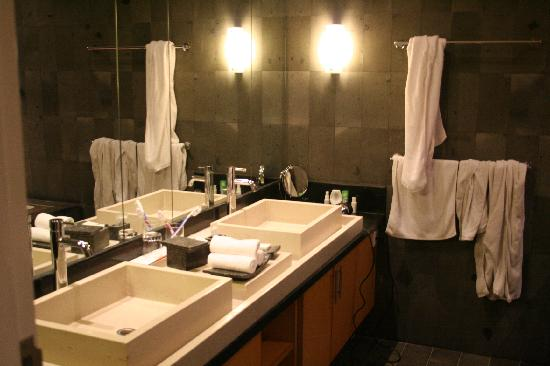 Bali Island Villas & Spa: Bathroom