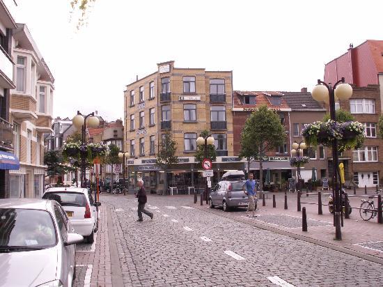 Hotel Cecil : Ansicht vom Marktplatz aus, rechts vom Hotel: 1a Restaurant!