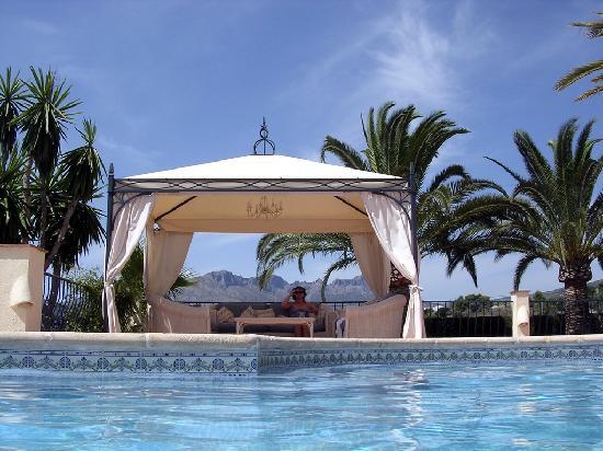 Hotel La Madrugada: Poolside Chill Out