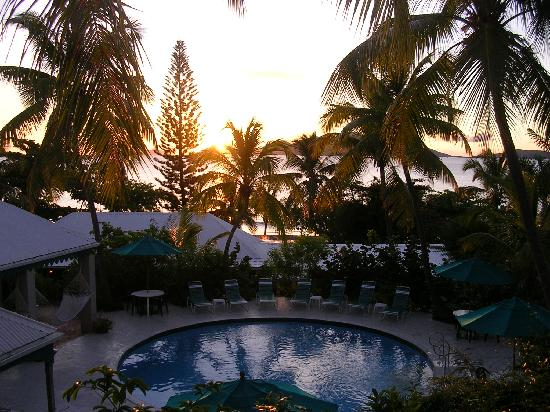 Sugar Mill Hotel: Evening view of Sugar Mill pool from Pool Suite balcony