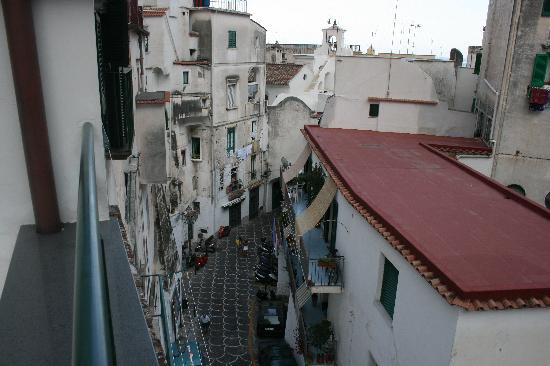 Me.Fra Camere di Sonia Criscuolo: The main street towards the square