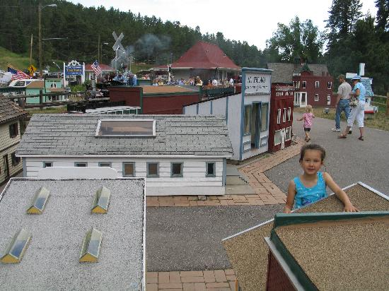 Tiny Town: checking out the buildings