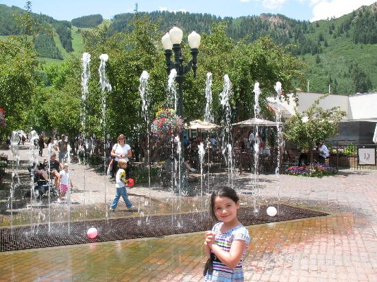 Aspen, CO: mill st fountains