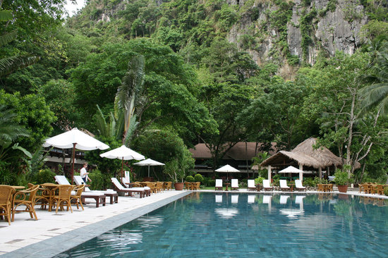 El Nido Resorts Miniloc Island : Lagen island - their great asset is the pool