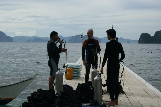 El Nido Resorts Miniloc Island: Scuba diving off Miniloc pier