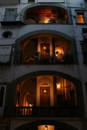 Belle Arti Resort : The internal courtyard