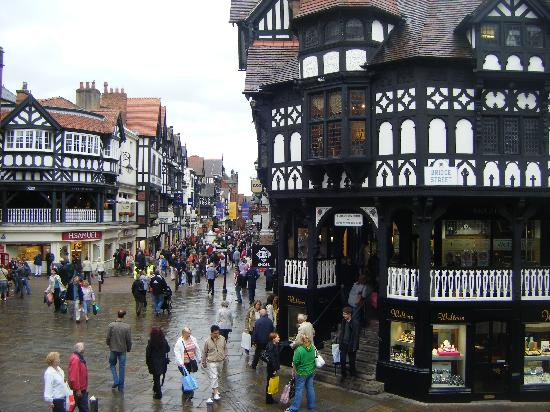 Честер, UK: Eastgate Street and the Rows