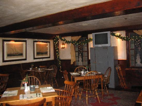 Salem Cross Inn Restaurant and Tavern: The tavern at Salem Cross Inn