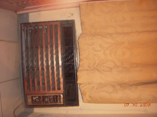 Marine View Hotel : Air Conditioning Unit