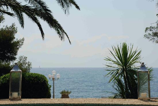 La Villa Mauresque: Fin d'après-midi au bord de la piscine Les Jardins