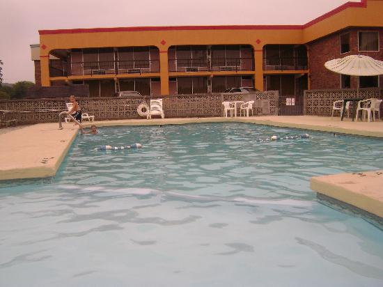 Rodeway Inn Sweetwater: Swimming Pool