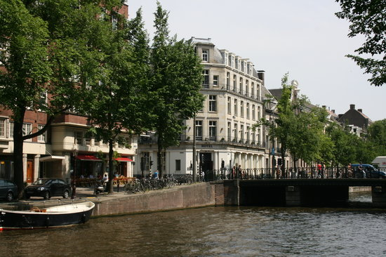 Banks Mansion : View from opposite canal bank