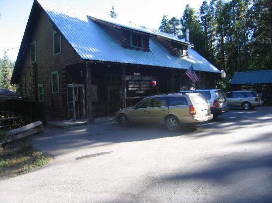 Mill Creek Resort: Genral Store and Cafe, just steps from your cabin