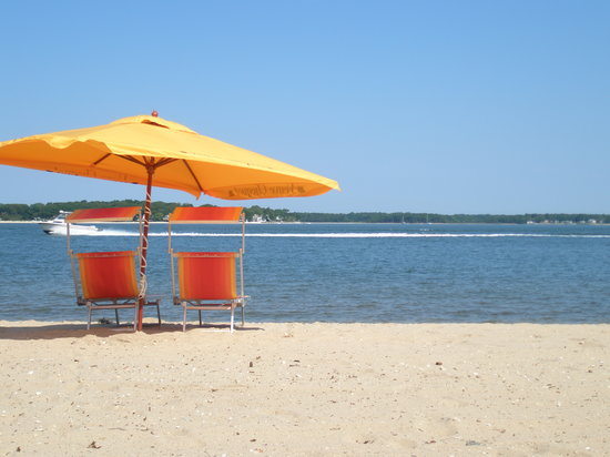 Shelter Island, NY: ...the beach