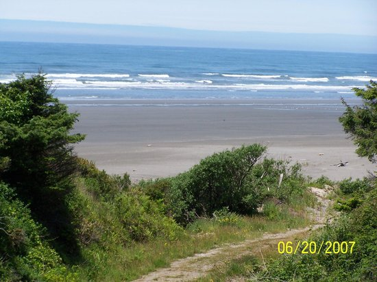 Pacific Beach, WA: View of the beach from the old railroad bridge