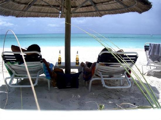 Sibonne Beach Hotel: relaxing on the beach