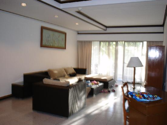 Sanur Paradise Plaza Suites: Lounge room