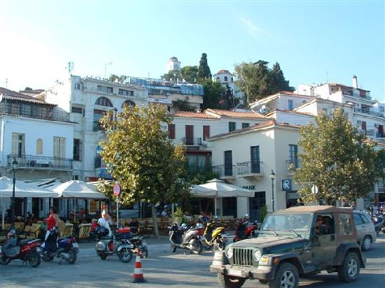 Restaurants harbour side skiathos town picture of for Skiathos town hotels