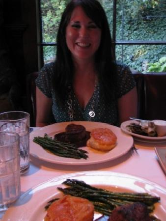Buckeye Roadhouse: Delicious Filet Mignon dinner