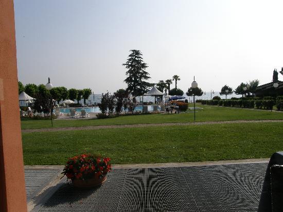 Relais Sant'Emiliano - Conference & Leisure: Vista dal ristorante