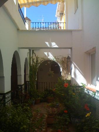 Hostal San Juan: patio au 1er etage