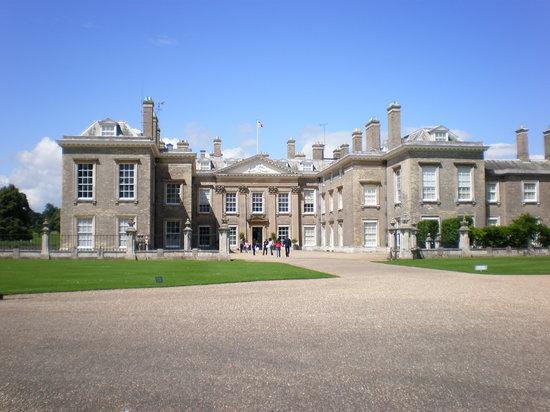 Northampton, UK : The Manor home