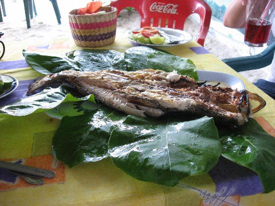 Holbox Hotel Casa las Tortugas - Petit Beach Hotel & Spa: 'pescao asao' en Zarabanda
