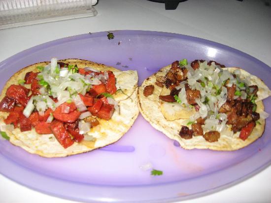 Holbox Hotel Casa las Tortugas - Petit Beach Hotel & Spa: tacos de carne y chorizo