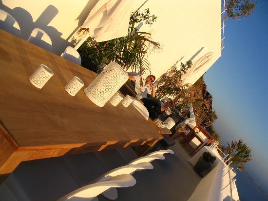 Grace Santorini Hotel: SUNDECK