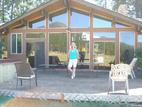 Cougar Ranch Bed and Breakfast: Beautiful Cabin