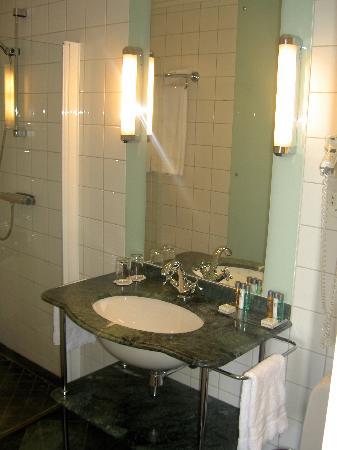 Elite Hotel Knaust: bathroom