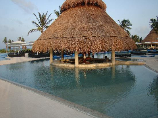 Secrets Maroma Beach Riviera Cancun: SMB: Pool Bar