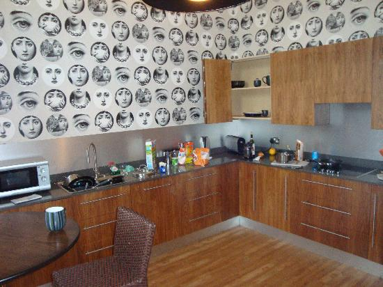 Dreamhouse Apartments Abercromby : The Kitchen