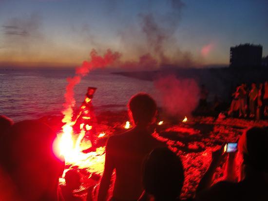 Fun Fire Shows On The Beach At San Antonio Photo De