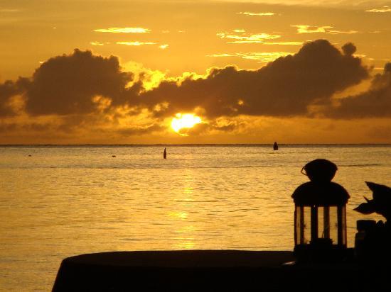 Villa Pomme d'Amour: Sunset at the Chateau Mygo