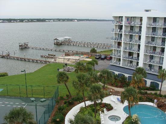 Gulf Shores Surf & Racquet Club: Picture from 7th floor balcony of pool area, pier