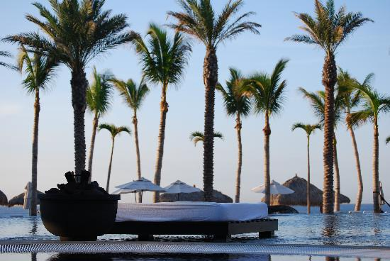 Cabo Azul Resort: View from the infinity pool