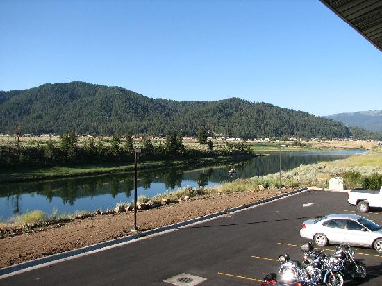 Flying Saddle Resort: Balcony View of the Snake River Towards Alpine