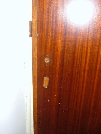 تشريسي أكتي: porta della stanza