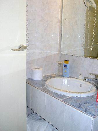 Hotel Chryssi Akti: bagno