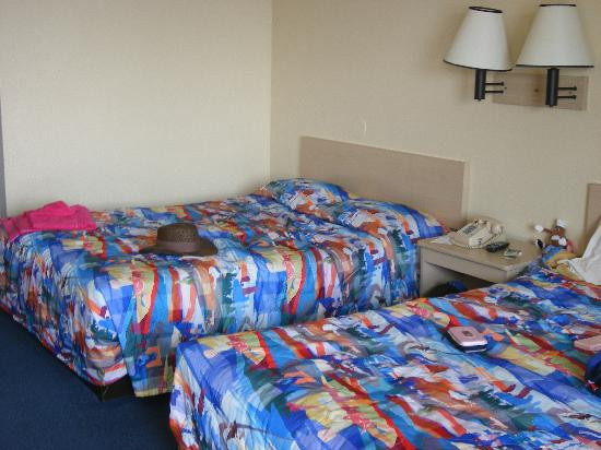 Motel 6 Oakland-Embarcadero: Our beds