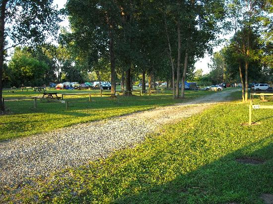 Sandusky KOA campground: Bay area tent sites