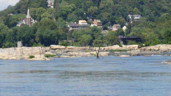 The Angler's Inn Bed and Breakfast: River Confluence/Harpers Ferry