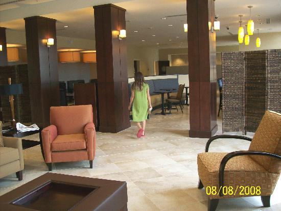 Holiday Inn Statesboro University Area: Adjacent restaurant