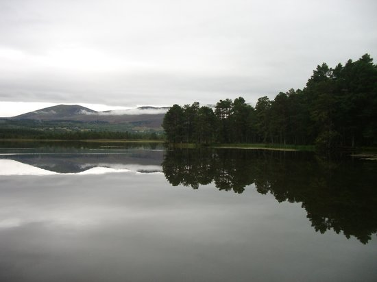Skottland, UK: Loch and Mountains