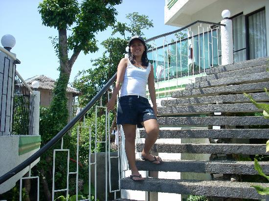 تورتل إن ريزورت: steps at Turtle Inn